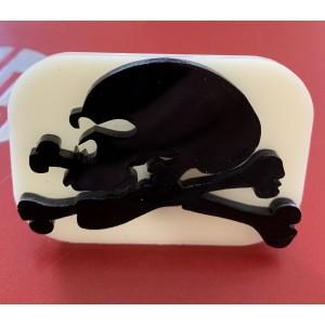 028 Skull and Crossbones Glitter Stamp